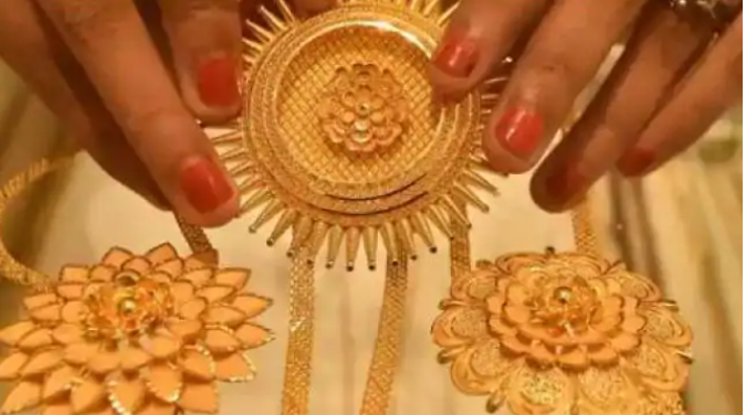 Gold became cheaper by Rs 839, silver weakened by Rs 2074