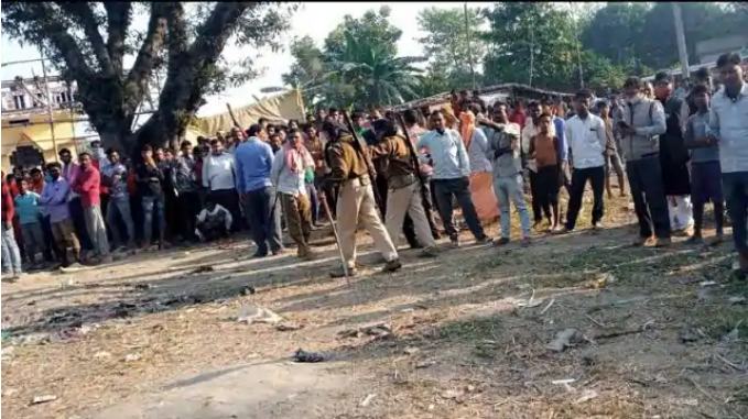In Motihari, the dreaded injured, including 3 girls, were caught after a hard labor of 14 hours.